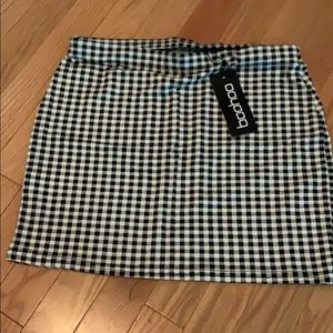 Dresses & Skirts - black&white skirt nwt